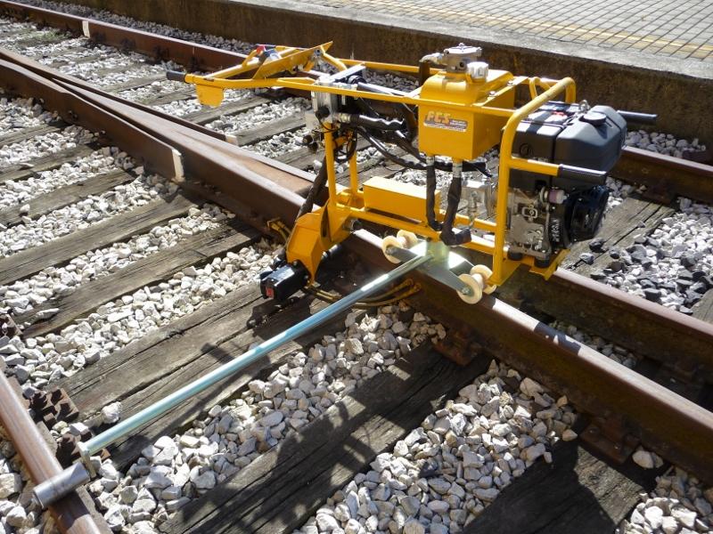 Incavigliatrice idraulica da cantiere con motore rotante IHR 1300 (800x600)